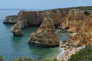 praia da marinha, een van de mooiste stranden ter wereld