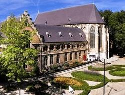 Kruisherenhotel Maastricht. Overnachten in een klooster